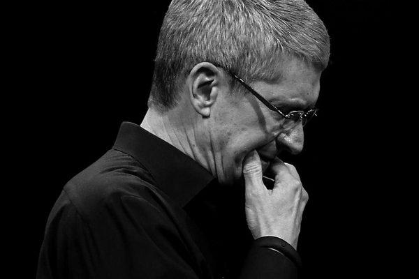 Xếp hạng 100 CEO nổi tiếng: Tim Cook bị chính nhân viên Apple hạ bậc