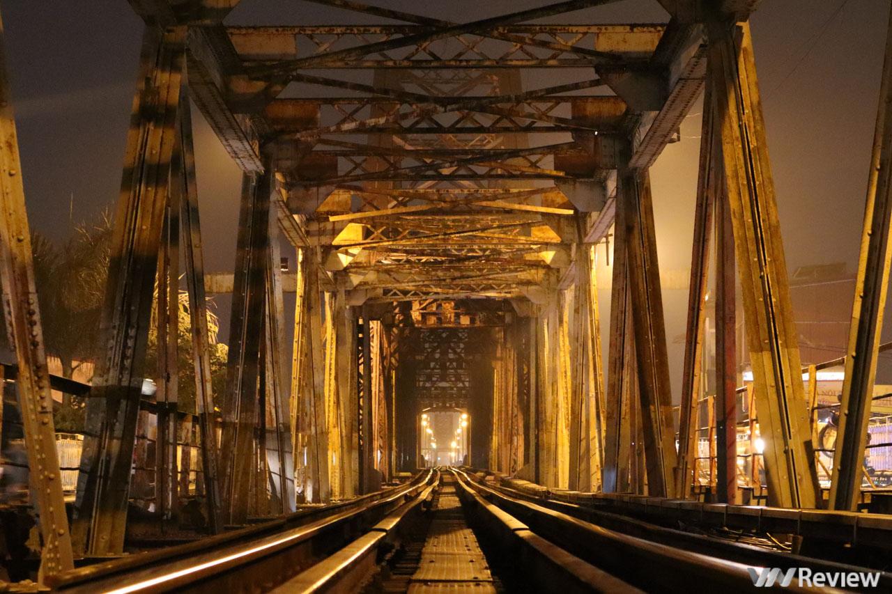 Trải nghiệm Canon M50 trong một ngày rong ruổi ở cây cầu hơn trăm tuổi tại Hà Nội