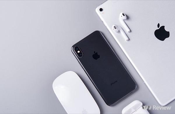 Apple ban đầu muốn bỏ cổng Lightning trên iPhone X, chỉ dùng sạc không dây