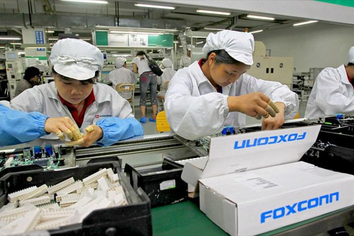 CEO Foxconn nổi giận vì Trung Quốc giới hạn thời gian làm quá giờ