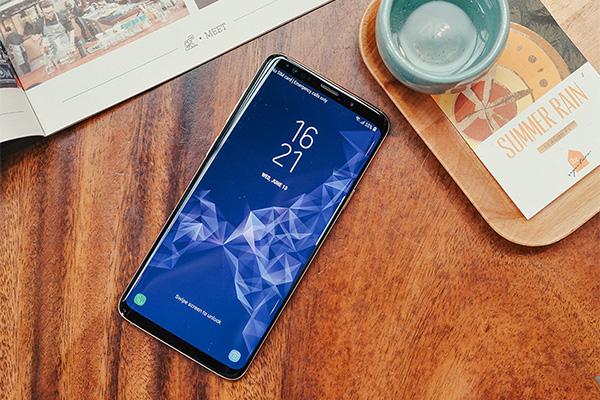 5 smartphone cao cấp đáng chú ý nhất nửa đầu năm 2018 ở Việt Nam