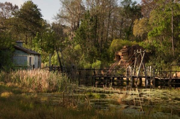 Dạo một vòng quanh công viên nước Disney bị bỏ hoang gần 20 năm