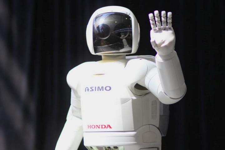 RIP Asimo - chú robot đáng yêu...vô dụng của Honda