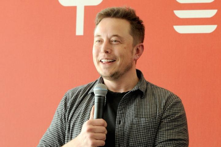 """Trường học do Elon Musk sáng lập cho học sinh """"vọc"""" súng phun lửa, bỏ ngoại ngữ, tập trung học code"""