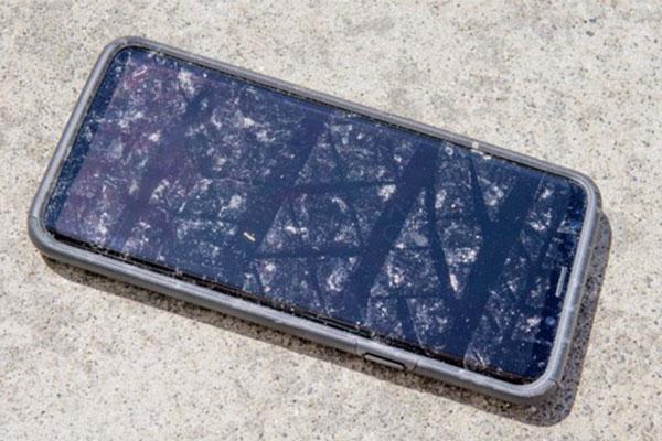 Smartphone Samsung bị lỗi tự gửi tin nhắn, người dùng không hề hay biết