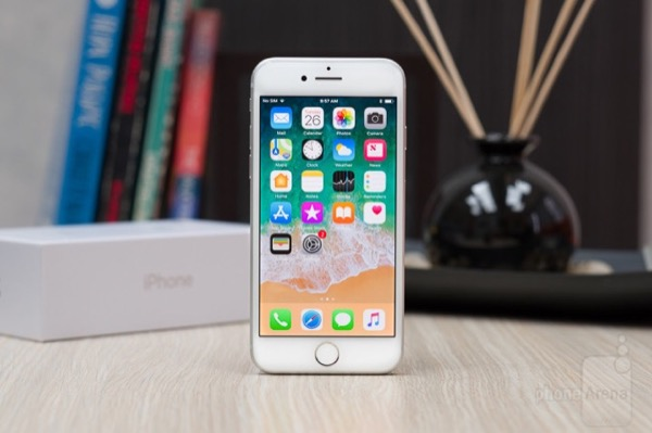 Bị chê nhàm chán nhưng iPhone 8 vẫn là smartphone bán chạy nhất tháng 5/2018