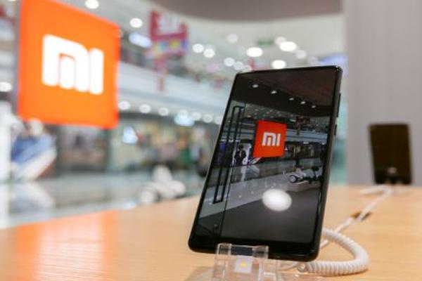 Giá giao dịch cổ phiếu Xiaomi thấp hơn giá IPO, CEO đổ tại thời điểm không may