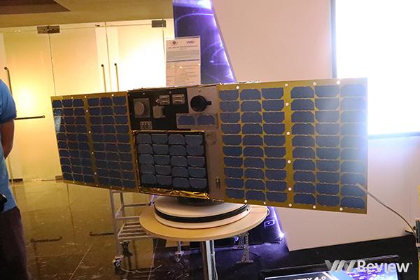 """Cái nhìn cận cảnh về vệ tinh """"Made in Vietnam"""" Micro Dragon"""