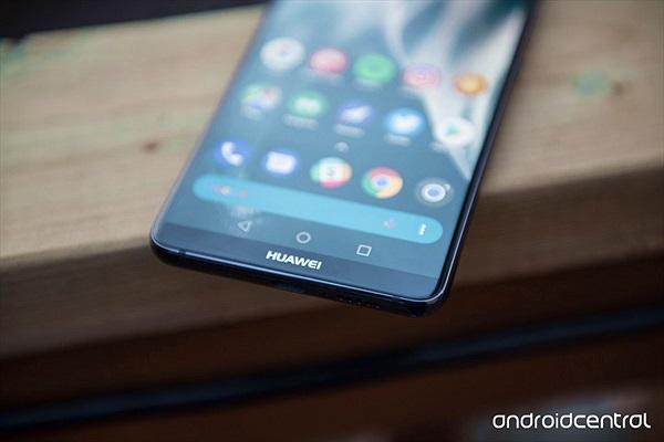 Huawei Mate 20 Pro sẽ có màn hình OLED cong vô cực như Galaxy S9/S9+?