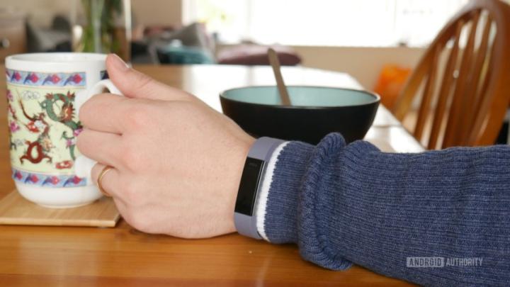 Vòng tay theo dõi sức khỏe liệu có thực sự hữu ích?