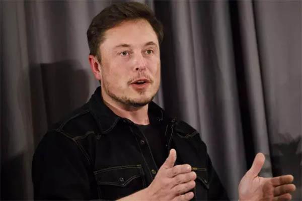 """Elon Musk công kích thợ lặn người Anh """"dám"""" nói tàu ngầm giải cứu """"chỉ là chiêu trò đánh bóng tên tuổi"""""""
