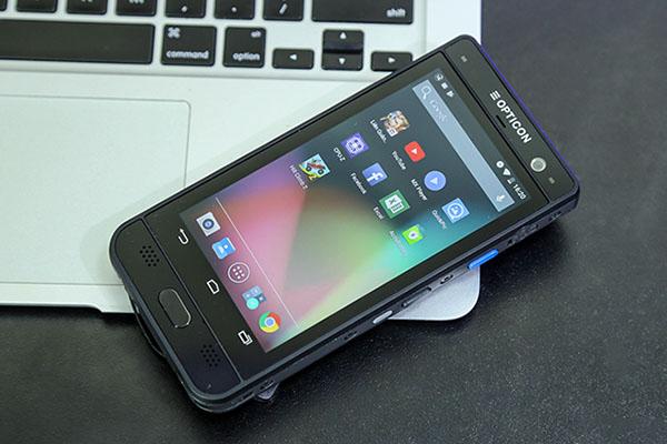"""Đánh giá """"smartphone quét mã vạch"""" Opticon H28"""
