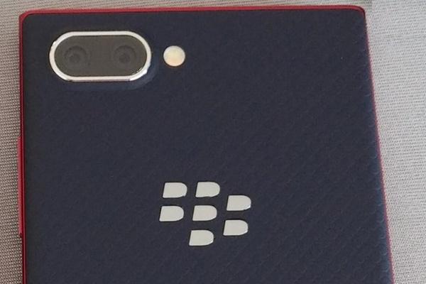 Lộ diện phiên bản BlackBerry KEY2 Lite, rẻ hơn bản gốc KEY2