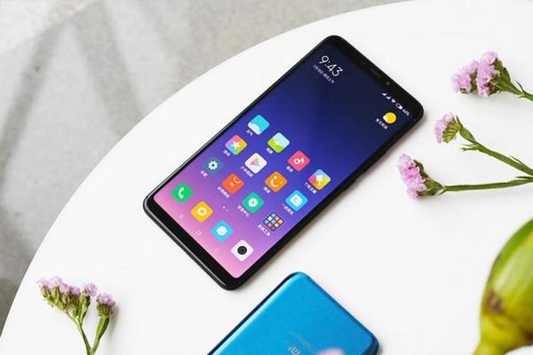 """Sếp Xiaomi khoe pin của Mi Max 3 """"vô địch thiên hạ"""", sạc đầy 71% pin trong 1 giờ"""