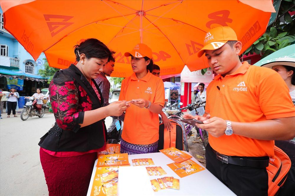 Khai trương được hơn 1 tháng, Viettel Myanmar đạt trên 2 triệu thuê bao