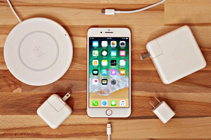 """iPhone 2018 sẽ tắt tính năng sạc nhanh nếu bạn dùng củ sạc USB-C """"lởm"""""""
