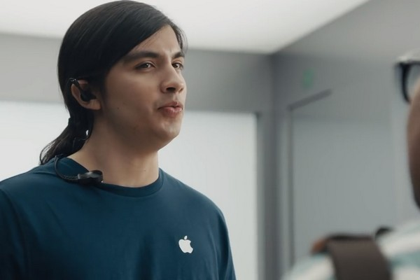 """Samsung tung loạt quảng cáo đá đểu Apple, chê iPhone X """"tơi tả"""" vì bất tiện, thiếu thốn"""