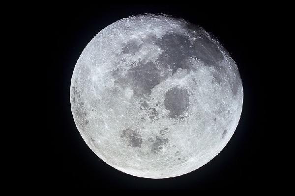 Đã từng có người ngoài hành tinh sống trên Mặt Trăng?