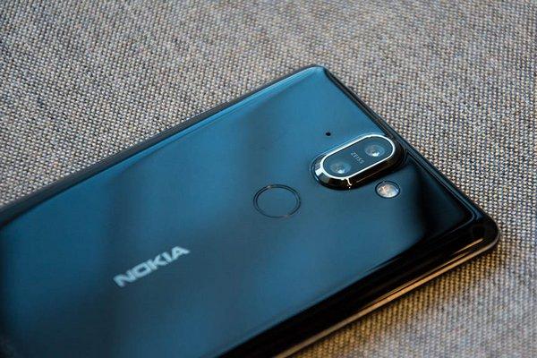 Thoát phân khúc cận cao cấp, Nokia 9 sẽ có giá ngang bằng với iPhone X
