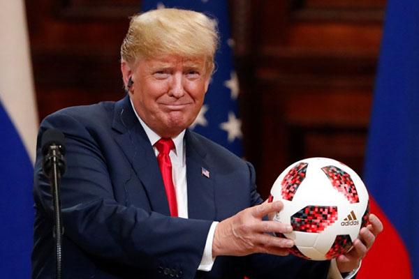 Quả bóng World Cup Putin tặng Trump có gắn chip điện tử