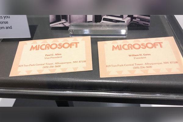 Đây là tấm danh thiếp đầu tiên của Bill Gates tại Microsoft