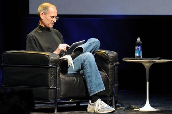 """""""Thánh"""" Steve Jobs cũng từng dự đoán sai lầm về App Store"""
