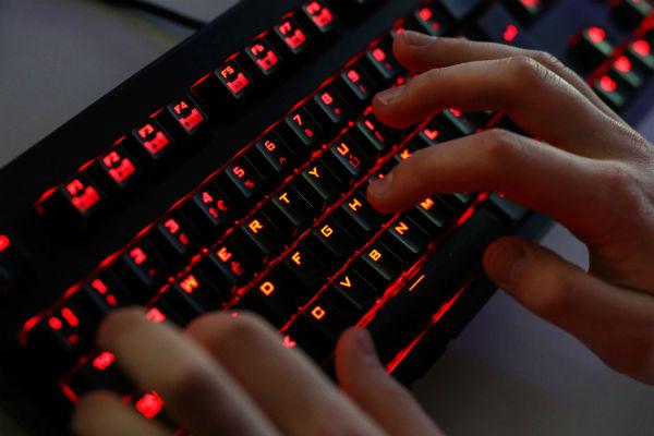 """Bộ Quốc phòng Mỹ lên danh sách phần mềm của Nga và Trung Quốc bị """"cấm cửa"""""""