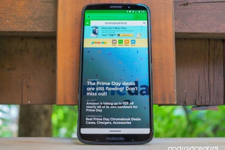 3 lý do bạn nên mua smartphone tầm trung thay vì flagship trong năm 2018