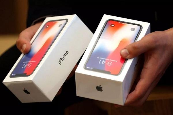 Tim Cook: iPhone X bán chạy nhất trong quý, 98% khách hàng hài lòng