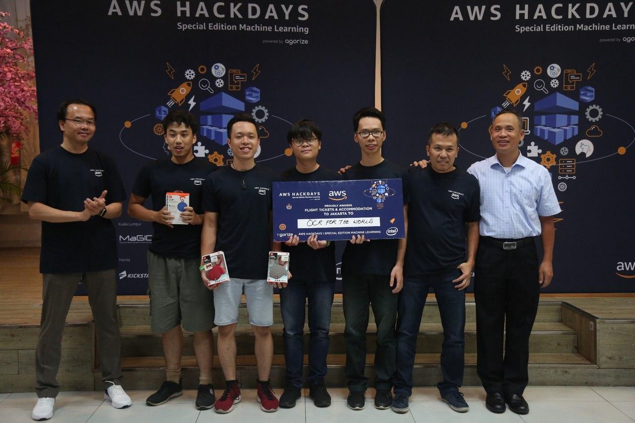 Giải pháp tổng hợp thông tin tài chính chiến thắng tại AWS Hackdays Vietnam 2018, tiến tới chung kết khu vực tại Indonesia