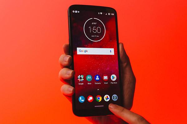 Motorola ra mắt Moto Z3: chiếc điện thoại đầu tiên hỗ trợ mạng 5G