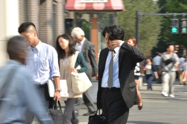 """Chính phủ Nhật đề xuất cho người lao động nghỉ vào sáng thứ Hai hàng tuần để ngăn """"làm việc đến chết"""""""