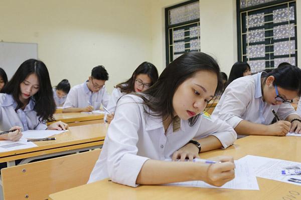 """Điểm chuẩn đại học các trường công nghệ """"top"""": Giảm đáng kể so với các năm trước"""