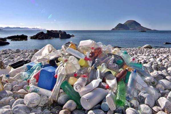 Cảnh báo: Nhựa có thể phát thải ra khí nhà kính khi tiếp xúc với ánh sáng Mặt trời