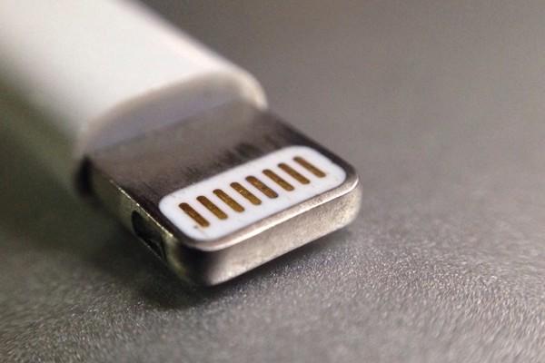 Châu Âu can thiệp, Apple sẽ phải bỏ cổng Lightning?