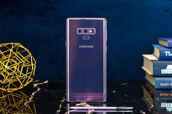 Trên tay Samsung Galaxy Note 9: chỉ là bản nâng cấp nhẹ của Note 8
