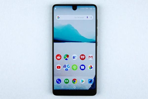 """Công ty """"tí hon"""" Essential cập nhật được Android mới ngay lập tức, sao các hãng khác lại không?"""