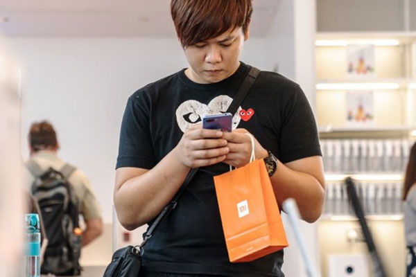 """""""Hụt hơi"""" trên phân khúc cao cấp, Xiaomi thành lập thương hiệu con Poco nhằm cạnh tranh Samsung, Huawei"""