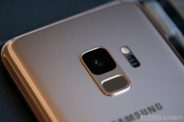 Sau Samsung, đến lượt Oppo ra mắt camera khẩu độ kép