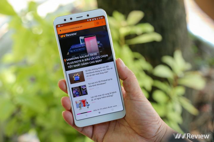 Đánh giá chi tiết Xiaomi Mi A2: Nâng cấp cấu hình đã là đủ