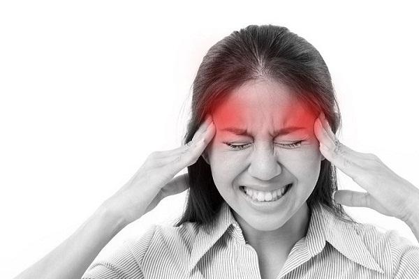 Lí do phụ nữ dễ bị đau nửa đầu hơn đàn ông