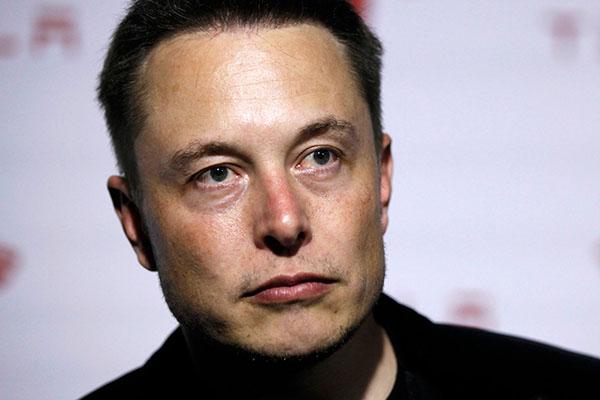 """""""Suốt cả đêm – không bạn bè, không gì cả"""": Elon Musk và 24 giờ cô đơn làm việc tại Tesla vào sinh nhật tuổi 47 của mình"""