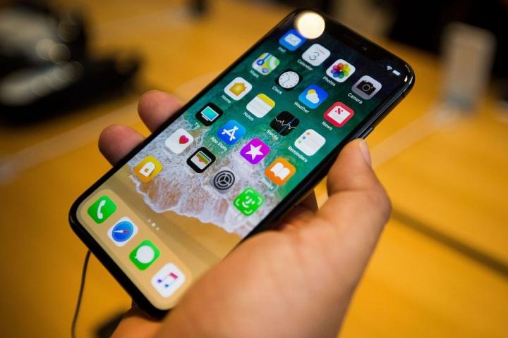 Lo chiến tranh thương mại, các hãng sản xuất iPhone và latop tháo chạy khỏi Trung Quốc