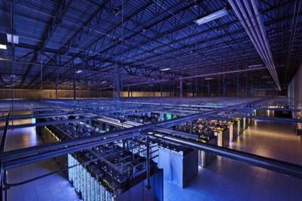 Cho AI toàn quyền vận hành hệ thống tản nhiệt cho trung tâm dữ liệu, Google tiết kiệm năng lượng đến 30%