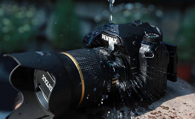 Pentax giới thiệu ống kính 50mm F/1.4: lấy nét nhanh, chống nước, giá 32 triệu đồng
