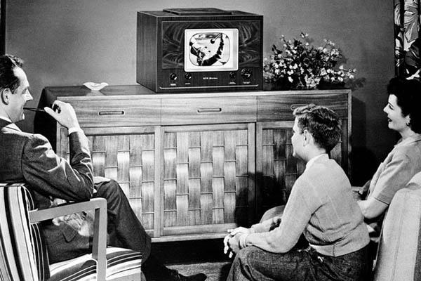 Cho AI khả năng tò mò, và nó sẽ ngồi xem TV mãi mãi