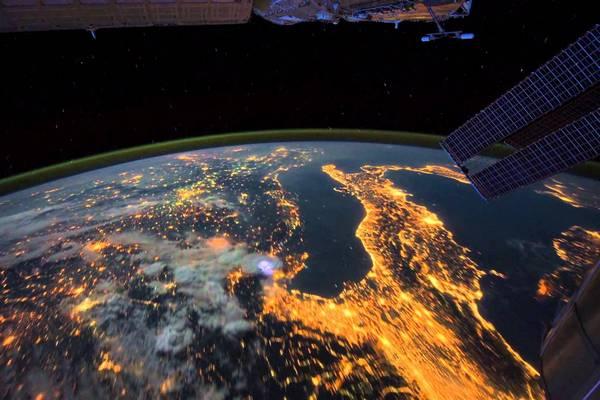 """Ảnh vệ tinh NASA cho thấy Trái Đất đang """"chìm trong biển lửa"""""""
