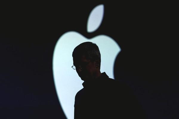 Tesla: Apple có nhiều tiền hơn chúng tôi gấp 100 lần và họ đang lấy đi nhiều nhân tài của Tesla