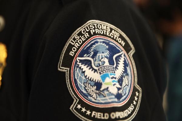 Hải quan Mỹ đối mặt nguy cơ bị kiện do sao chép dữ liệu iPhone trái phép