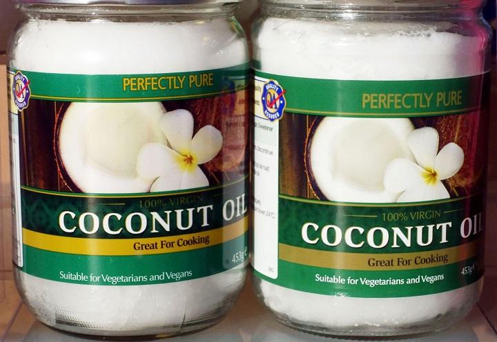 Giáo sư Harvard: Dùng dầu dừa khi nấu nướng không khác gì